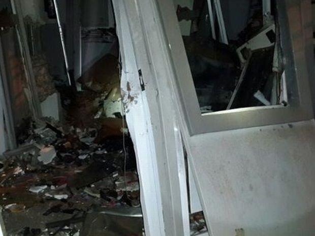 Os caixas ficaram totalmente destruídos após a explosão  (Foto: Lucas Pereira/ Repórter na Rua)