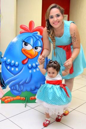 Perlla comemora um ano da filha, Pérola (Foto: Alex Palarea / AgNews)