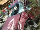 Carro com cinco pessoas cai de barranco e deixa feridos no ES