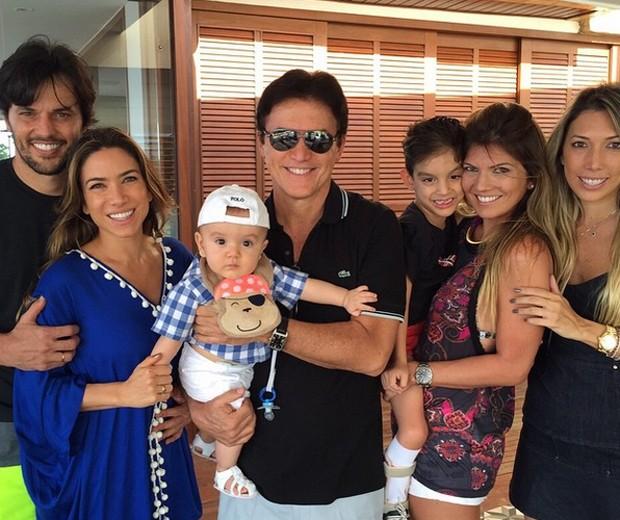 Patrícia Abravanel curte feriado com o filho e a família do noivo em Natal (Foto: Reprodução/Instagram)