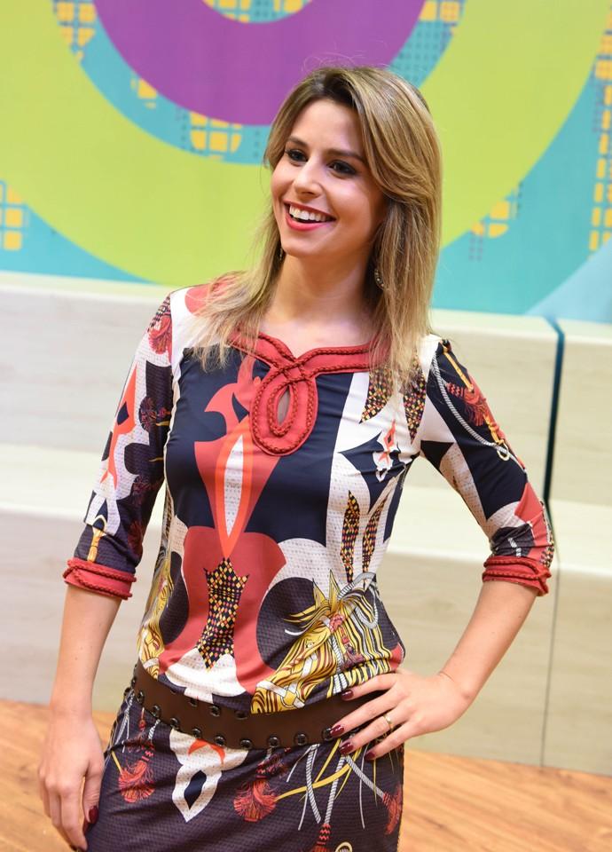 Quem também achou que a Daiane ficou linda? Daiane Fardin look Estúdio C (Foto: Mana Gollo/ RPC )