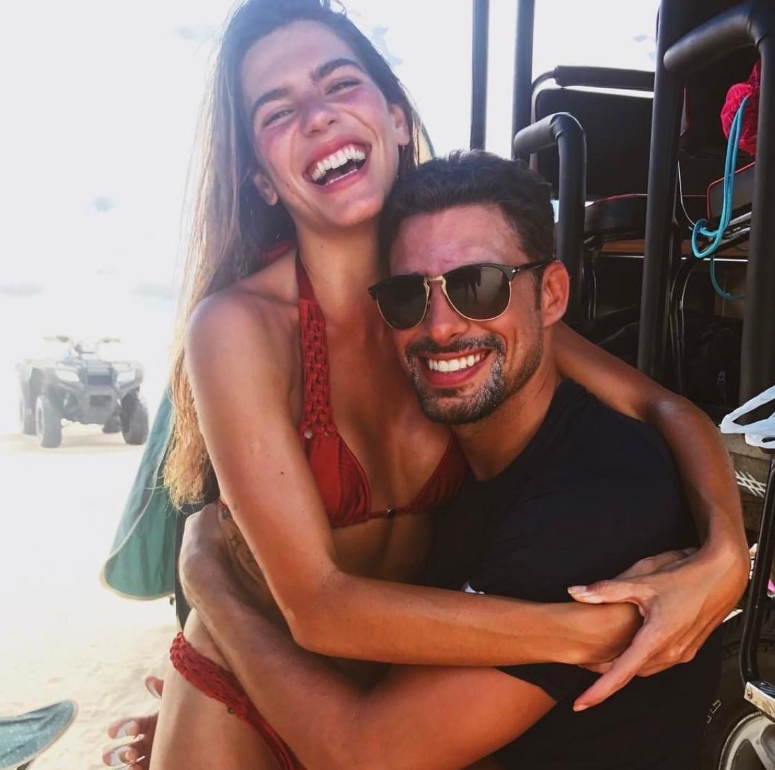 Mari e Cauã em momento de descanso (Foto: Reprodução/Instagram)