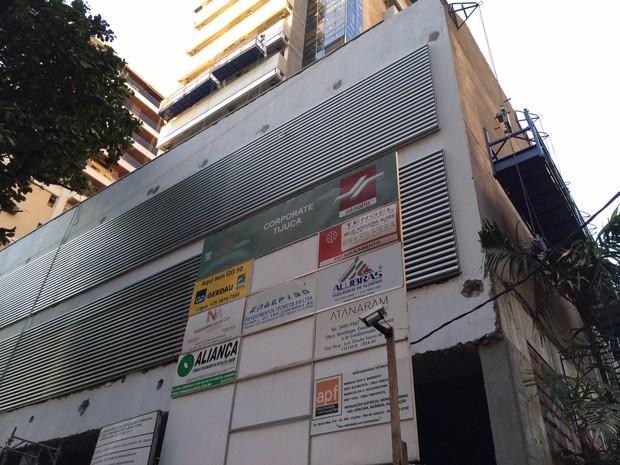 Prédio onde aconteceu acidente fica perto do Shopping Tijuca (Foto: Káthia Mello/G1)