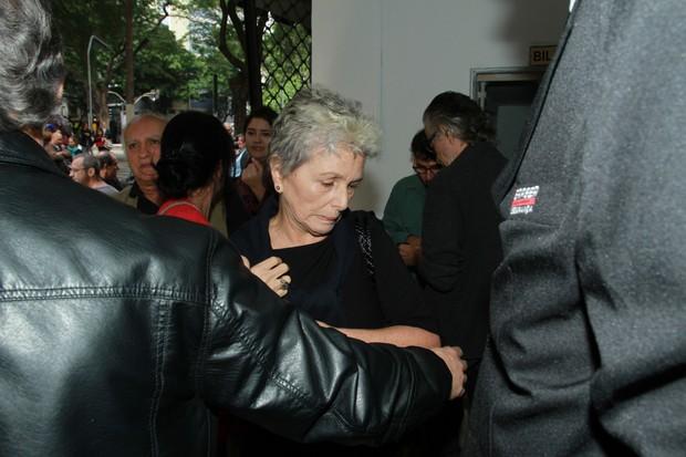 Velório Umberto Magnani - Irene Ravache (Foto: Amauri Nehn/ Brazil News)