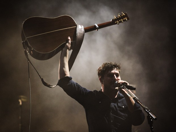 Mumford and Sons fazem show no palco Onix do Lollapalooza 2016 (Foto: Fábio Tito/G1)