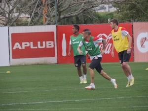 D'Alessandro Jorge Henrique Inter (Foto: Tomás Hammes / GloboEsporte.com)