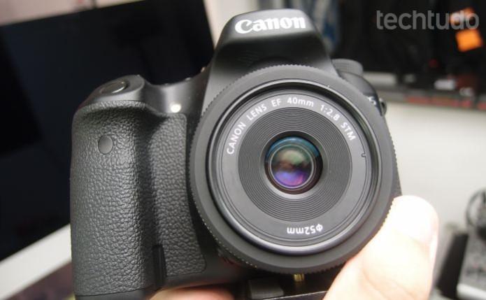 Canon EOS 70D, com 7,0 fps, é uma câmera de entrada muito satisfatória para fotografias em alta velocidade (Foto: Pedro Zambarda/TechTudo)