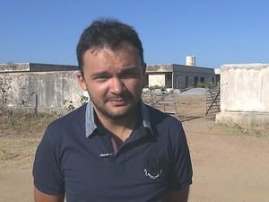 Francisco Nadjan diz que moradores precisam viajar mais de 100 km para serem atendidos (Foto: Reprodução/TV Cabo Branco)