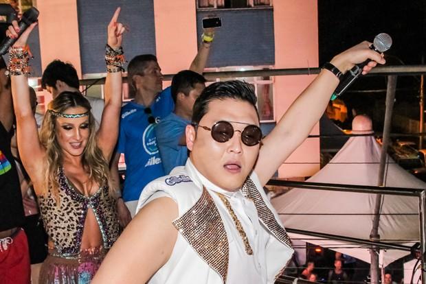 Psy e Claudia Leitte se apresentam no trio em Salvador (Foto: Robson Senne / Ag Fred Pontes / Divulgação)