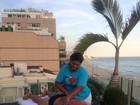 Ronaldo faz massagem relaxante em sua cobertura no Leblon, no Rio