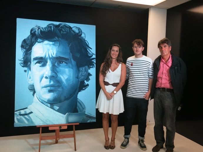 Bianca Senna, sobrinha de Ayrton Senna, com Ian Berry e Jean-François Galeron (Foto: Felipe Siqueira)