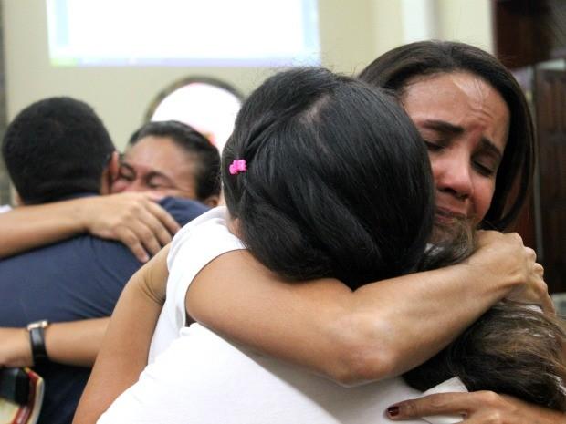Familiares das vítimas pensam em se reunir para entrar com o processo contra a Seduc pelo descaso (Foto: Mônica Dias/G1 AM)