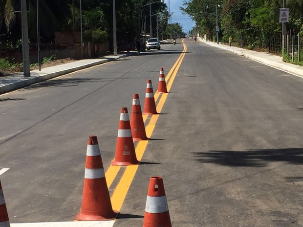 Pavimentação e drenagem da avenida Luzinete Formiga foi entregue na manhã desta segunda-feira (27) (Foto: Walter Paparazzo/G1)
