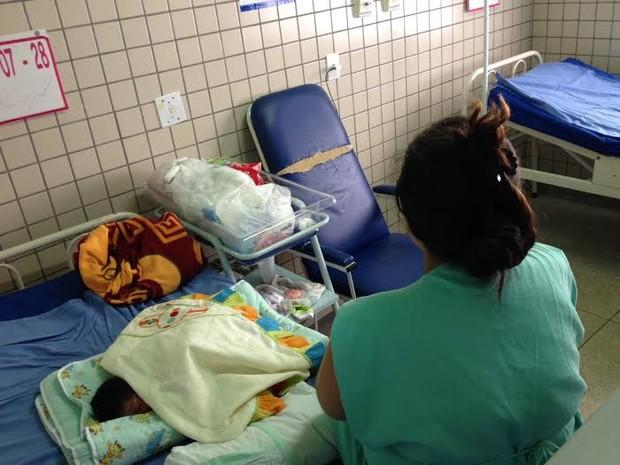 A empregada doméstica de 26 anos deu a luz no dia 19 de agosto; Restos de placenta ainda estão no útero da jovem (Foto: Suzi Rocha/G1)