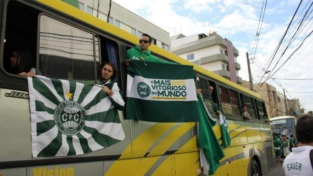 Torcida Coxa Branca (Foto: Fernando Araújo/Globoesporte.com)