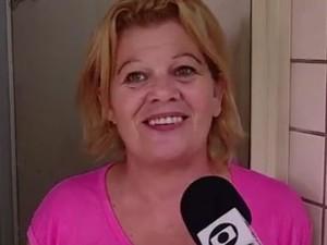 Elisabete de Souza continua com medo depois de voltar para casa (Foto: Reprodução/RBS TV)