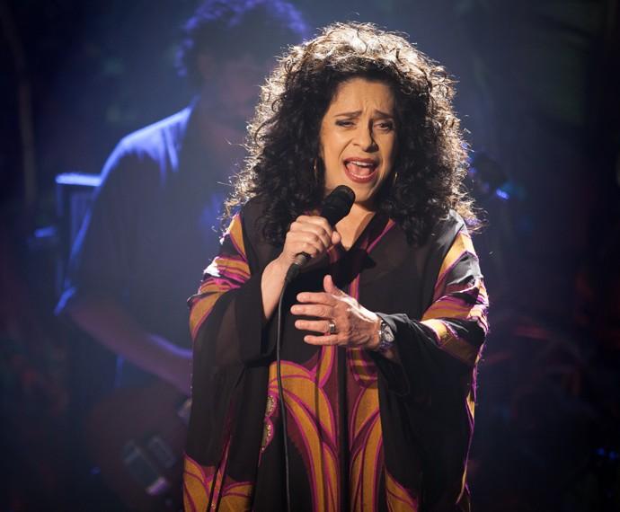 Gal Costa canta durante participação em Babilônia (Foto: Fábio Battaglin / Gshow)