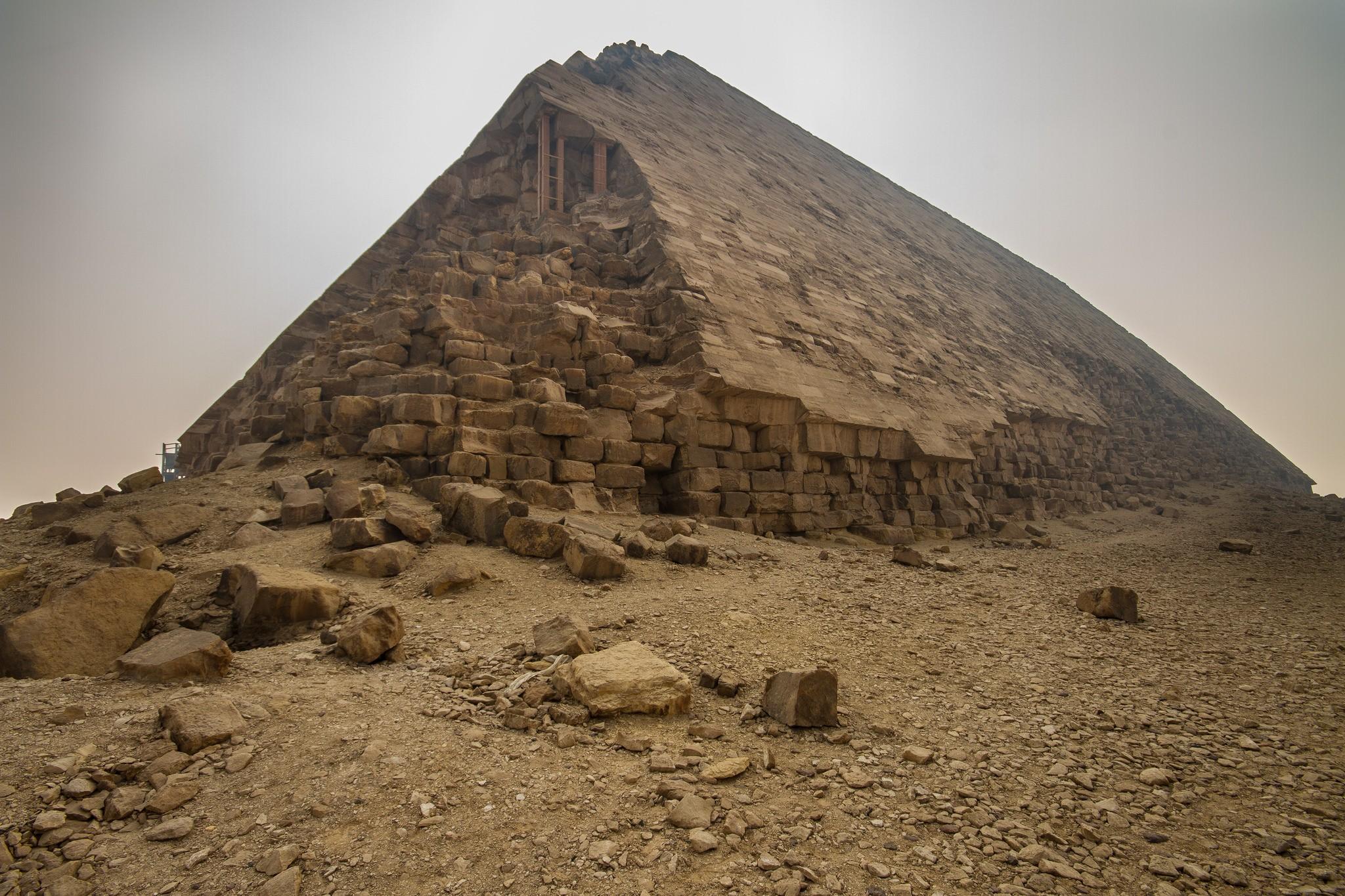 Partículas cósmicas coletadas dentro de pirâmide podem revelar como ela foi construída