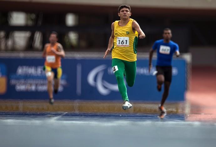 Petrúcio dos Santos paralímpico - atletismo (Foto: Jonne Roriz / CPB / MPIX)