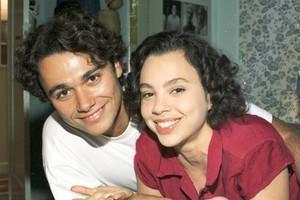 Joyce (Carla Marins) e Caio (ngelo Paes Leme) (Foto: CEDOC/TV Globo)