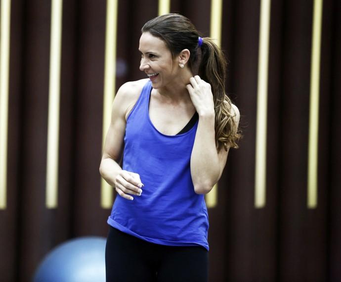 Maurren Maggi sorri: o ensaio foi cheio de alegria! (Foto: Inácio Moraes / Gshow)