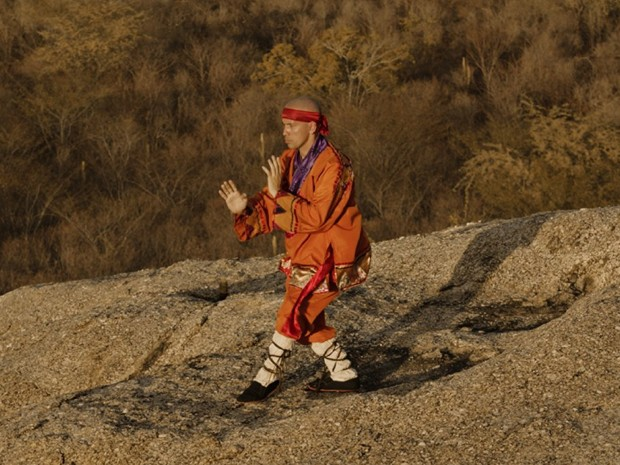 Edmilson Filho em cena de 'O Shaolin do sertão' (Foto: Divulgação)