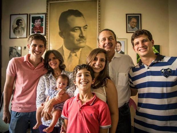 Eduardo Campos em família (Foto: Reprodução/Facebook)