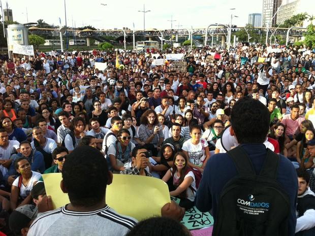Praça Newton Rique, na Avenida ACM, para definição do trajeto (Foto: Egi Santana / G1 BA)