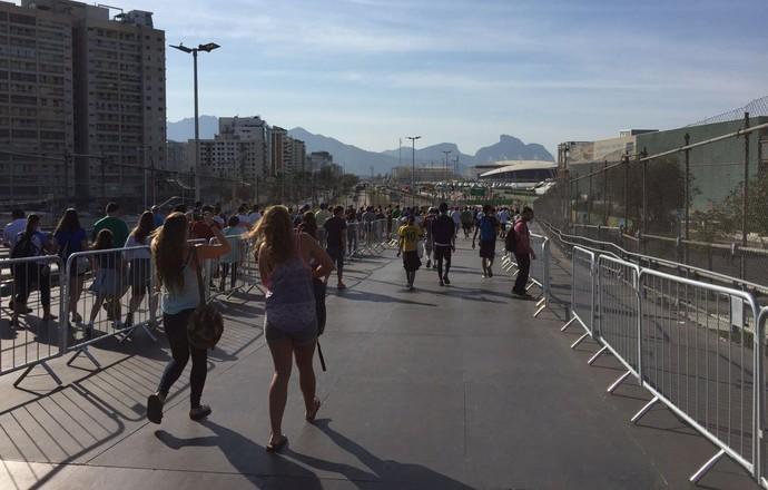 Movimento rampa BRT parque olímpico (Foto: Raphael Andriolo)