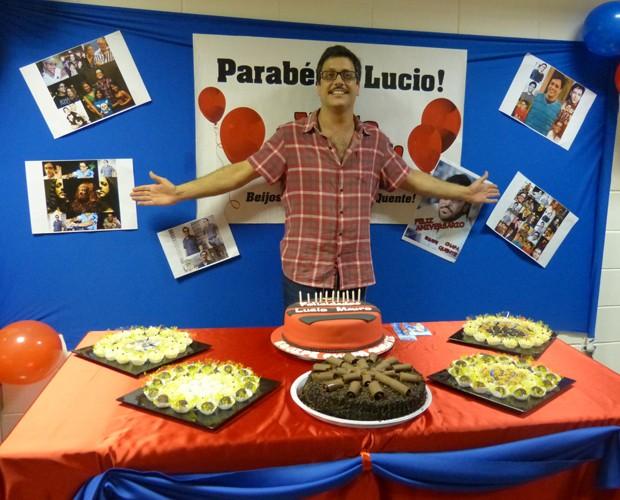 Lúcio Mauro Filho é surpreendido por produção de Chapa Quente (Foto: Paula Santos / Gshow)