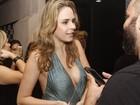 Ex-BBB Ana Paula usa maiô decotado em show: 'Estou sem roupa no Rio'