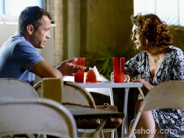 Bruno discute com Ordália por causa de Herbert (Foto: Amor à Vida/TV Globo)