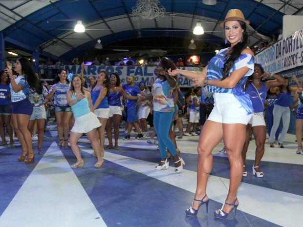 Gracyanne Barbosa na quadra da Portela, em Madureira, Zona Norte do Rio (Foto: Alex Palarea/ Ag. News)