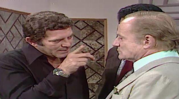 Nuno prope a Csar que ele confesse tudo o que fez com Carina  polcia em troca de dinheiro (Foto: Reproduo/viva)
