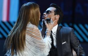 Jennifer Lopez e Marc Anthony em prêmio de música em Las Vegas, nos Estados Unidos (Foto: Valerie Macon/ AFP)