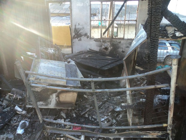 Jovem tem 80% do corpo queimado por companheiro em Vacaria, incêndio, casa (Foto: Divulgação/Polícia Civil)