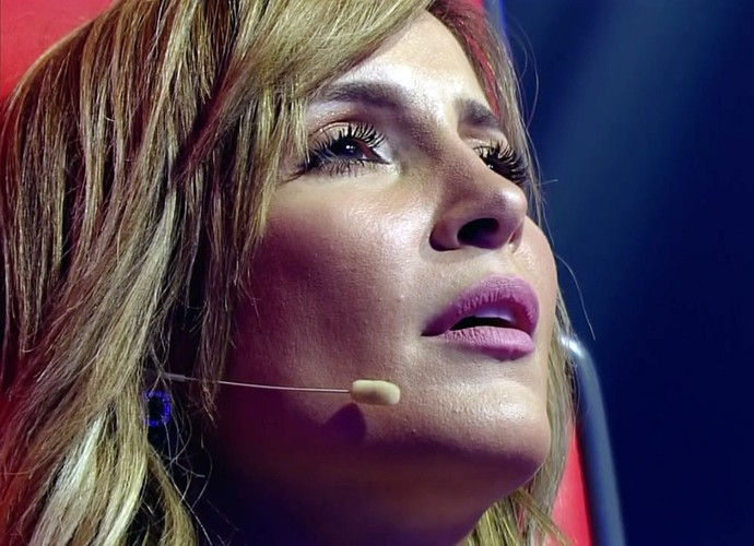 Claudia Leitte suspira com 'Estou Apaixonado' (Foto: TV Globo)