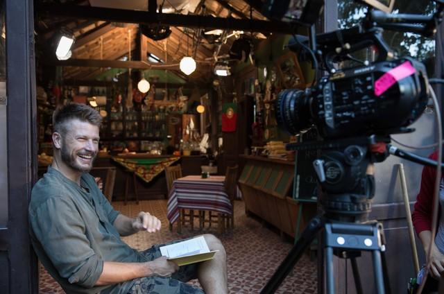Rodrigo Hilbert durante as gravações da próxima temporada do 'Tempero de família' (Foto: Ney Coelho)