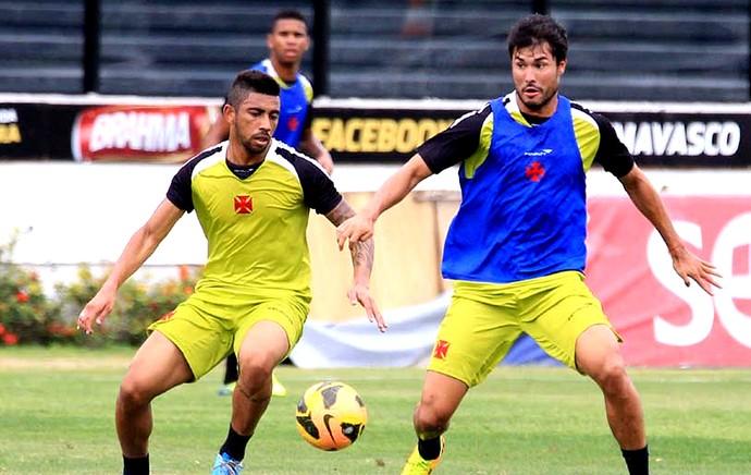 Pedro Ken treino do Vasco (Foto: Marcelo Sadio / Site Oficial do Vasco)