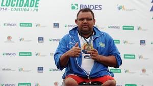 Atleta paralímpico, Nestor Souza levou duas medalhas de bronze nas distâncias de 500 e 200 metros.    (Foto: Divulgação)