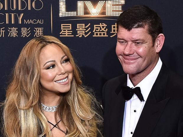 A cantora Mariah Carey e o bilionário australiano James Packer, que ficaram noivos, em foto de 27 de outubro de 2015 (Foto: Philippe Lopez/AFP )