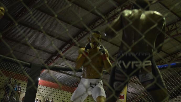 Pão Careca e Pitchula; Iron Man; MMA (Foto: Rafael Moreira/GE-AP)