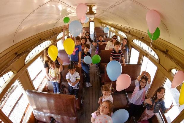 Passeio de locomotiva é diversão para toda família (Foto: Divulgação)