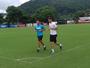 Gustavo Henrique corre em campo pela primeira vez após lesão no joelho