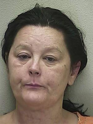Após agredir o marido com porta-retrato e impressora, Michelle ainda tentou colocar fogo na cozinha da casa (Foto: Divulgação/Marion County Sheriff's Office)