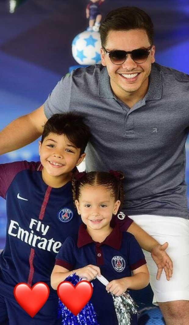 Wesley Safadão com os filhos, Ysis e Yhudy (Foto: Reprodução)