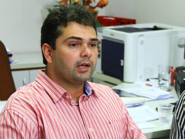 Bruno Leandro de Souza é diretor geral do Hospital Arlinda Marques e integrante da comissão de investigação da microcefalia (Foto: Rizemberg Felipe/Jornal da Paraíba)