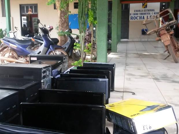 Escola furto Guajará (Foto: Júnior Freitas/G1)