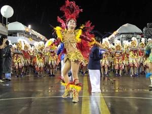 Daniely Duarte, rainha de bateria da 'Unidos do Buritizal' (Foto: Arquivo/Unidos do Buritizal)