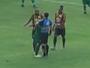 """Após dar abraço em árbitro, Mateus Paraná se explica: """"Foi por impulso"""""""
